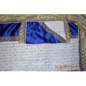 Комплект из синего атласа вставка белые нашевные розы с кружевом