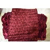 Обшивка из бордового бархата, верх из нашивных роз