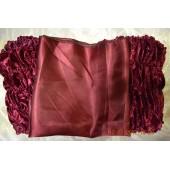 Обшивка из бордового бархата, верх из атласа